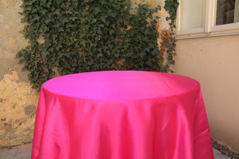 Paris Dekorace Saténový ubrus tmavě růžový