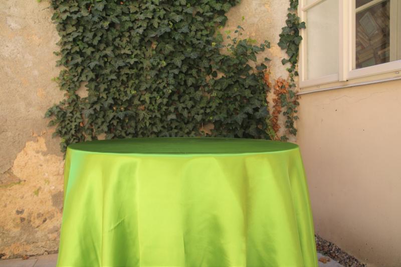 Paris Dekorace Saténový ubrus zelený