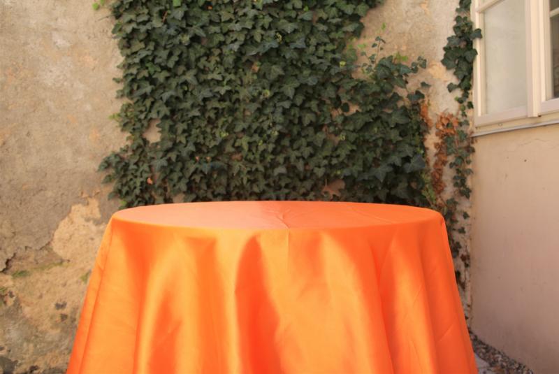 Paris Dekorace Saténový ubrus oranžový