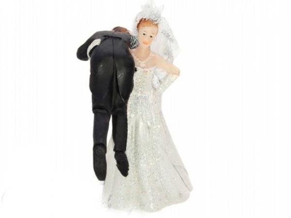 Paris Dekorace Svatební figurky nevěsta s ženichem na rameni