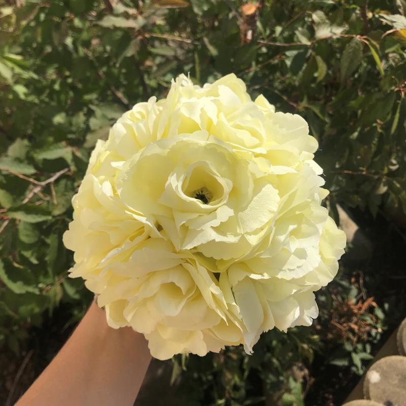 Paris Dekorace Koule plná květů světlá ivory, 15 cm